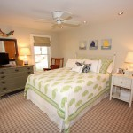 Guest bedroom.